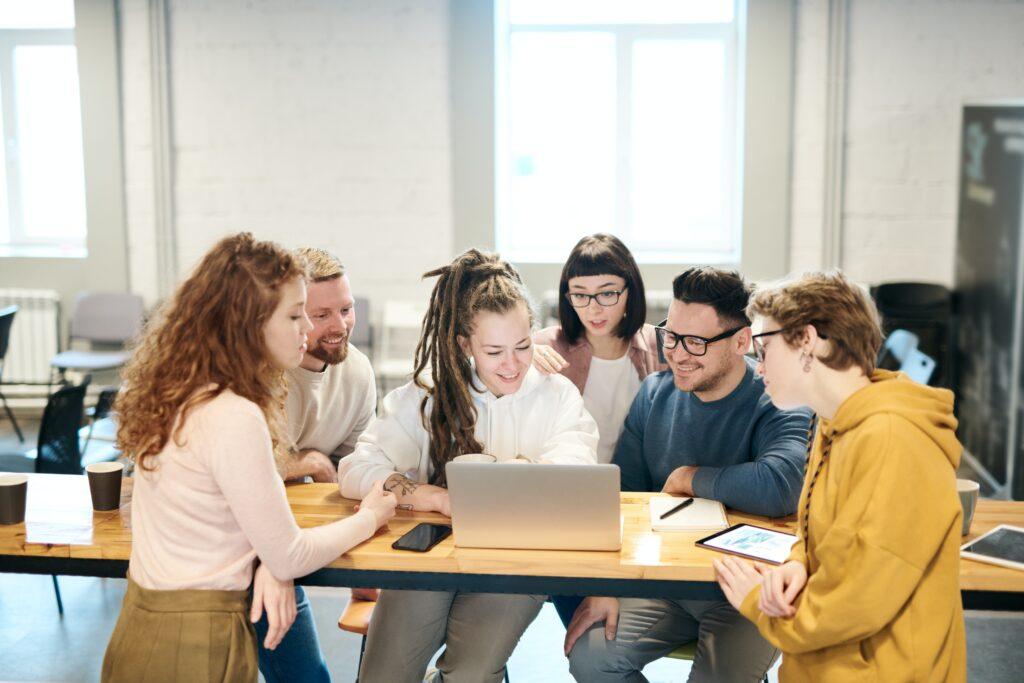 Servizio civile, compenso mensile dei giovani sale a 444,30 euro